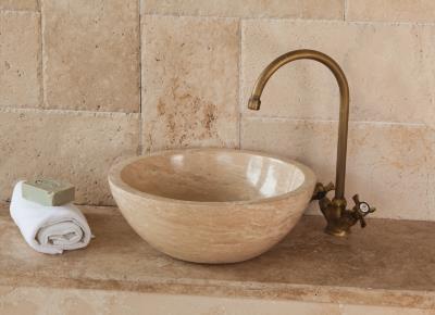 Salle de bains : vasques à poser, receveur de douche en ...