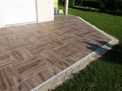 Dalle siena carrelage ext rieur 2 cm marron effet for Pose carrelage exterieur sur plots