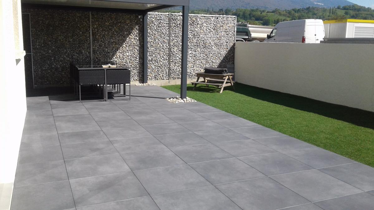 Dalle terrasse sur plots carrelage 2 cm sur plots for Carreler terrasse beton