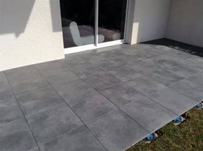 Dalle luna carrelage ext rieur 2 cm anthracite effet for Carreler terrasse beton