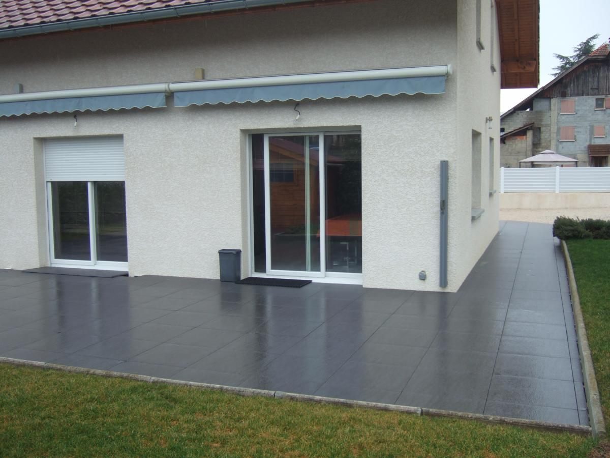 Dalle terrasse sur plots carrelage 2 cm sur plots for Carrelage 60x60 gris anthracite